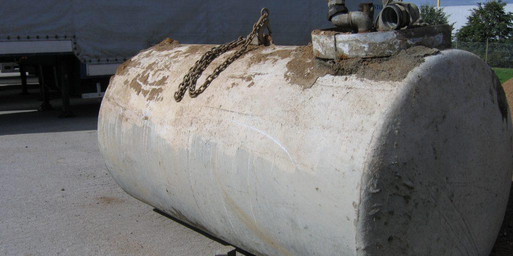 Opprensing og dokumentasjon ved oppgraving av oljetank